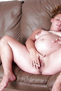 Pretty Soon To Be Mom Blonde Showcase Her Huge Loaded Belly And Grinding Her Tight Pussy