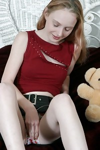 Enticing Blonde Queen Jerking Off With Her Lovely Panties On And Drip It With Her Cunt Cum