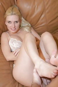 Blonde Mallory Knots Stripping In Her Underwear And Having Fun It While A Boy Admired Her Muggy Feet