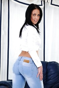 Raven Haired Beauty Denise Pees In The Lounge