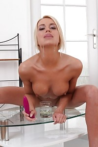 Blonde Bombshell Lena Likes To Piss And Play
