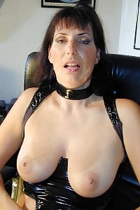 Leatherclothed Mature Mama Sucking Juice